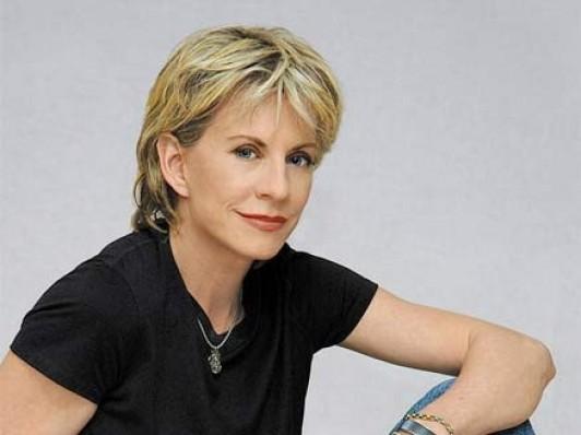 Esprits-Criminels-saison-7-la-romanciere-Patricia-Cornwell-dans-son-propre-role_portrait_w532
